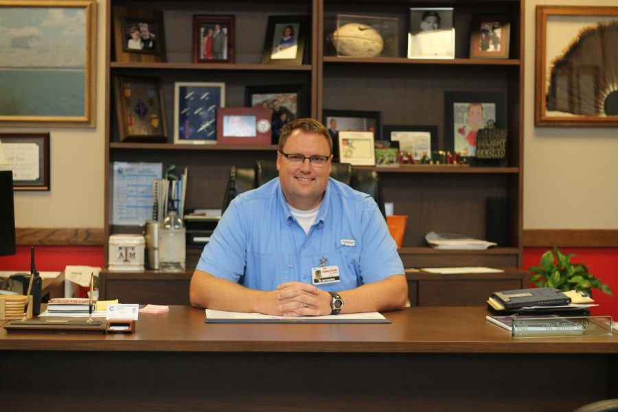 Dr. Jeff Stichler, new principal at Caney Creek High School, took over for Principal Trish McClure over the summer to start the 2017-2018 school year. Previously, Stichler served as principal at Moorhead Junior hIgh.