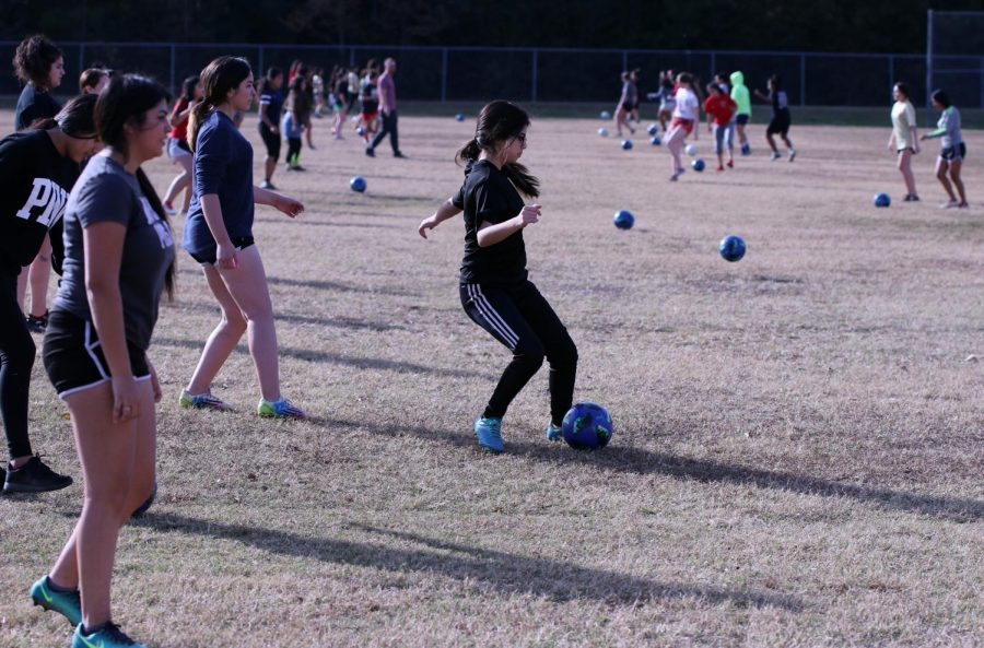 INCREASING+NUMBERS.+Girls+tryouts+had+73+players+on+the+field.+22+players+were%0Aadded+in+comparison+to+last+season+due+to+coaches+efforts+to+add+in+a+third+team.