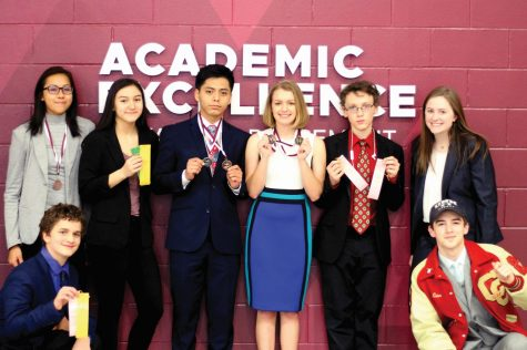 DECA qualifies 2 students  for international competition